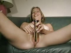 amateur cute slut toys herself