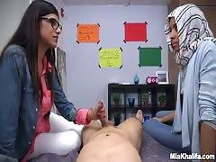 Threesome with a Arabic Mia Hhalifa blowing a cock