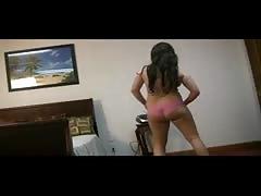 Curvy Teen Strips and Naked Dance - negrofloripa